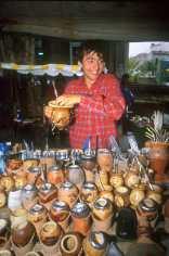 Uruguay, Montevideo, Mercado Tristán Narvaja, calabazas par el mate, retrato