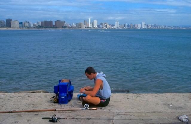 Sudáfrica, Natal, Durban, pescador