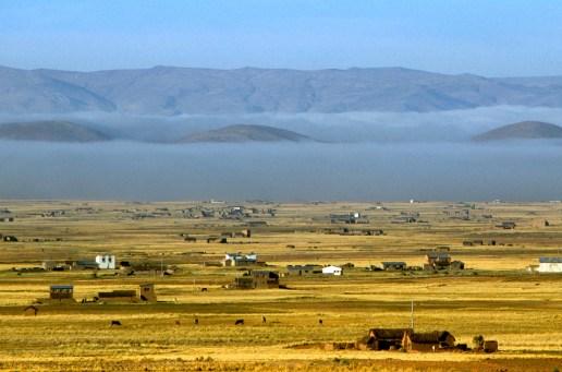 Bolivia, Altiplano, paisajes de la ruta a Tiwanaku
