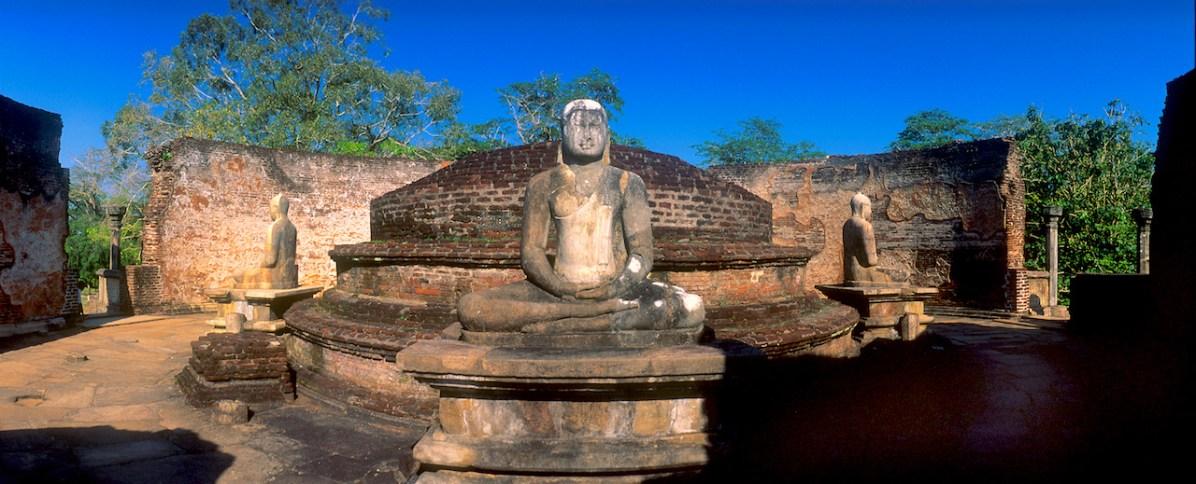 Sri Lanka, Polonnaruwa, capital mediabal, escultura