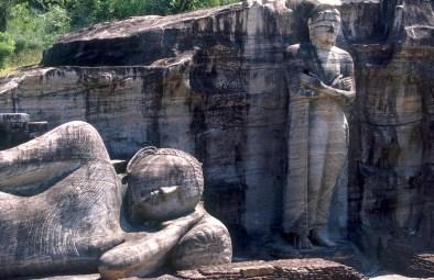 Sri Lanka, Polonnaruwa, capital mediabal, Buda. escultura 14m