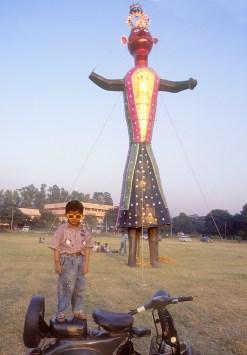India, Uttar Pradesh, Delhi, Festival Dussehra, gigante de carton, Cricket, retrato