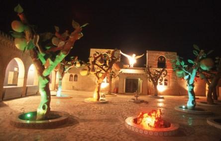 Túnez, oasis de dunas, Tozeur, centro mil y una noches, nocturno