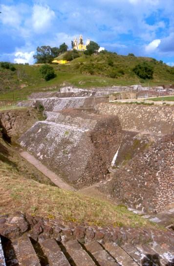 México, Cholula, iglesia delos remedios, debajo pirámide de Cholula o Tlachihualtépetl