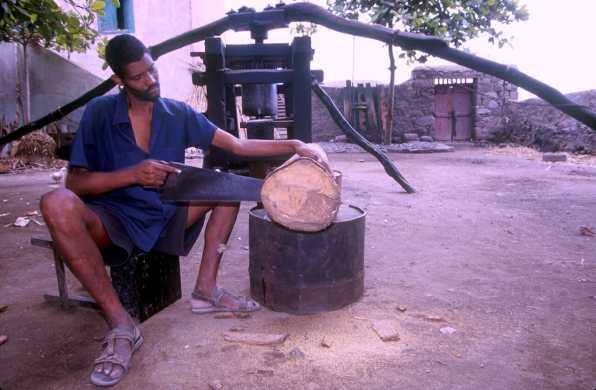 Cabo Verde, Isla Santo Antao. Fabrica de Grog