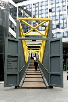 Alemania, Baden-Wurtemberg, Stuttgart, Deutsches Bank, puerta