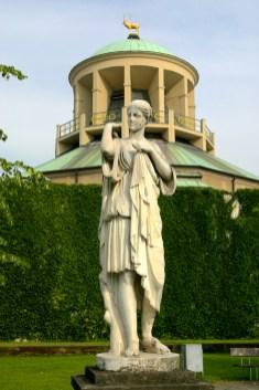 Alemania, Baden-Wurtemberg, Stuttgart, plaza Schiller, jardines del palacio, galería de arte, escultura