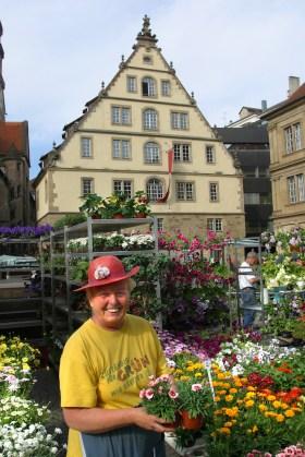 Alemania, Baden-Wurtemberg, Stuttgart, plaza Schiller, mercado de flores, retrato