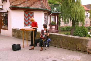 Alemania, Baden-Wurtemberg, Esslingen Am Neckar, músicos ambulantes