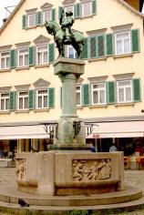 Alemania, Baden-Wurtemberg, Esslingen Am Neckar, fuente Miguel el Cartero