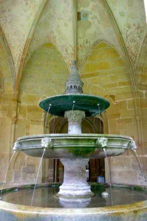 Alemania, Baden-Wurtemberg, Maulbronn, Monasterio, fuente del claustro