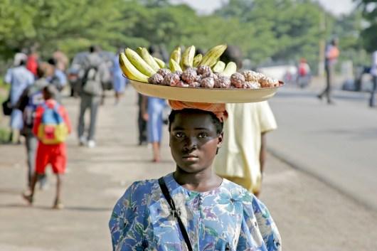 Camerún, Kribi, venta ambulante, retrato