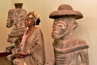 "Camerún, Bafut, Fondom, Chefferie, ""Ma"" Constance, museo real"