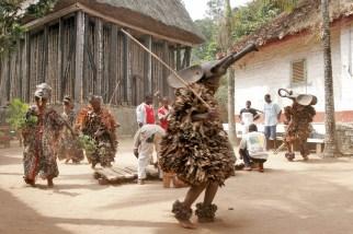 Camerún, Bafut, Fondom, música tradicional, bailarines