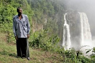 Camerún, Dehomnham, chefferie, cataratas Ekom Nkam