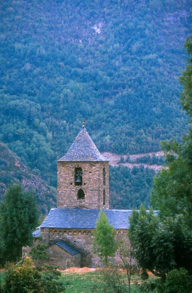 Catalunya, Alta Ribagorça, Vall de Boì, Cóll, Iglesia Santa Maria Siglo XIII