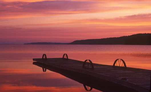 Amanecer en el Lago Ontario