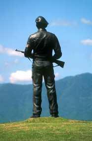 Cuba, Baracoa, Monumento Al Soldado, escultura