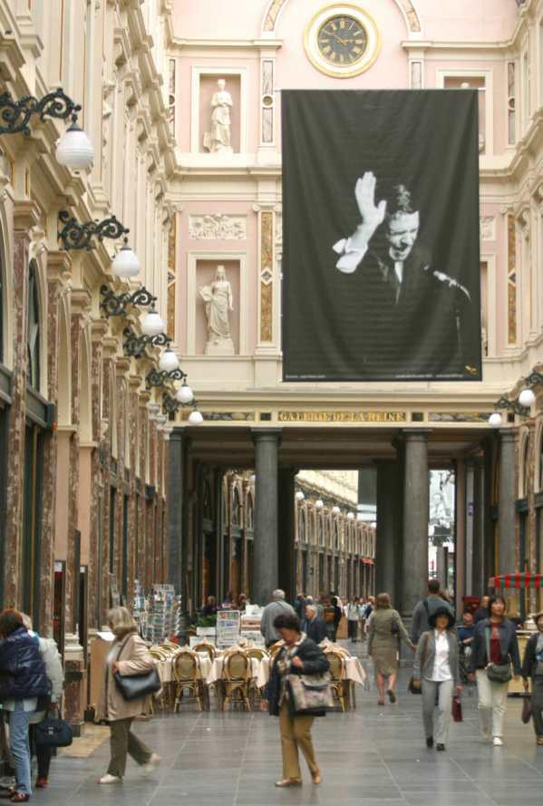 Galeria Sant Hubert, foto de Jacques Brel Bruselas