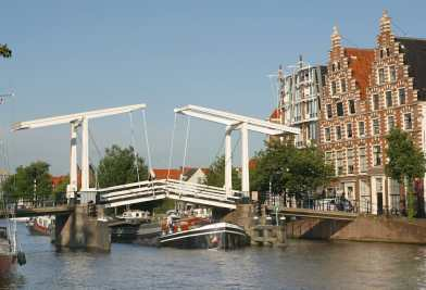 Holanda, Noord-Haarlem, río Spaarne