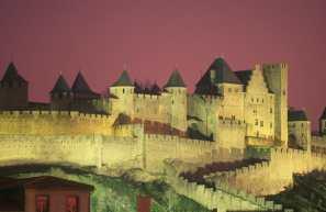 Francia, Languedoc Rosellon, Sane Eulalie, Parque Margeride, Noche