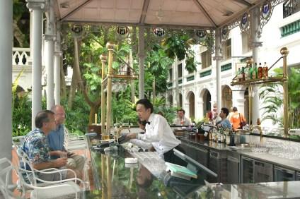 Singapur, Bar Raffles Hotel