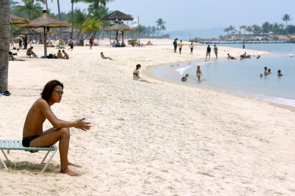 Singapur, Isla Santosa, playa de Siloso