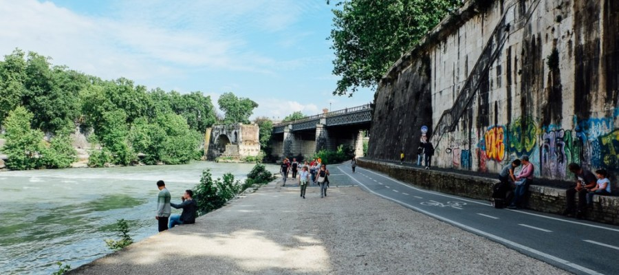 Rome bike path along river Tiber sparks debate