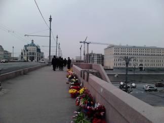 07.04.2016. Утро на Немцовом Мосту. Полиция перемещается...
