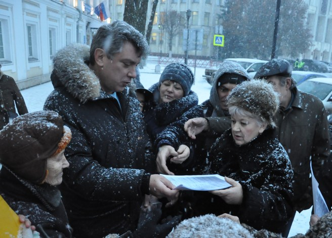 Борис Немцов перед заседанием Ярославской областной Думы. Декабрь 2014 года. / Фото Сергея Белякова