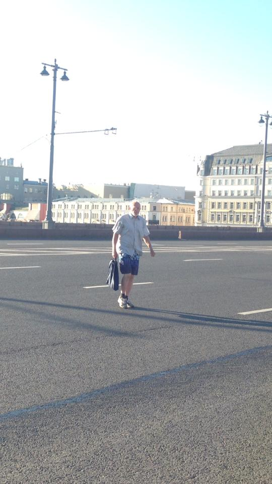 Андрей спешит на дежурство