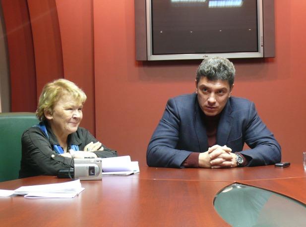 2007 год. Думская предвыборная кампания на Алтае. Партия СПС. Лидеры СПС Мариэтта Чудакова, Борис Немцов