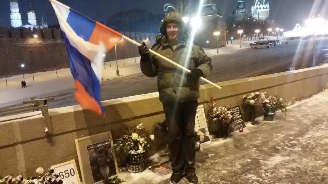 Иван Шаравин. Развевается гордый флаг