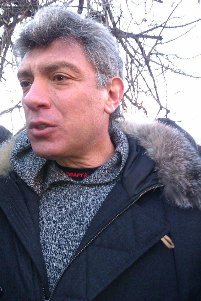2012-12-15-nemtsov_lubyanka-1