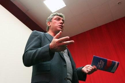 2010.nemtsov-2010-chelyabinsk-znamya (13)