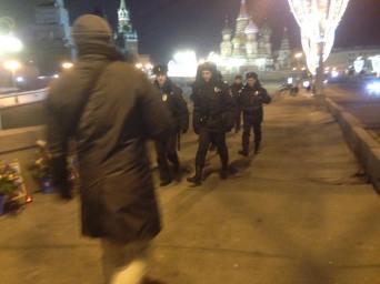 Усиленное патрулирование в связи с прилетом Путина в Кремль. Фотографии — Тамара Луговых