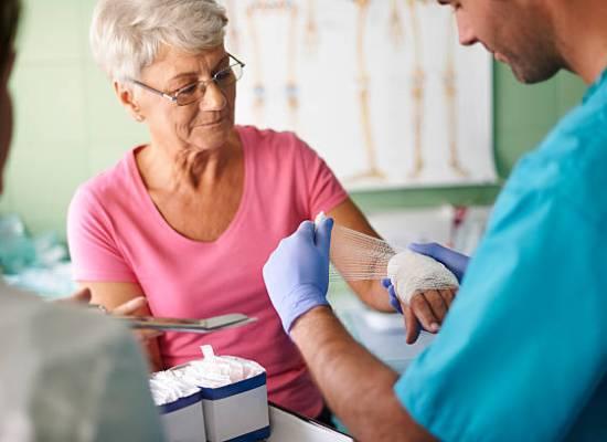 Nemocnice Valtice s.r.o. Moist Wound Healing