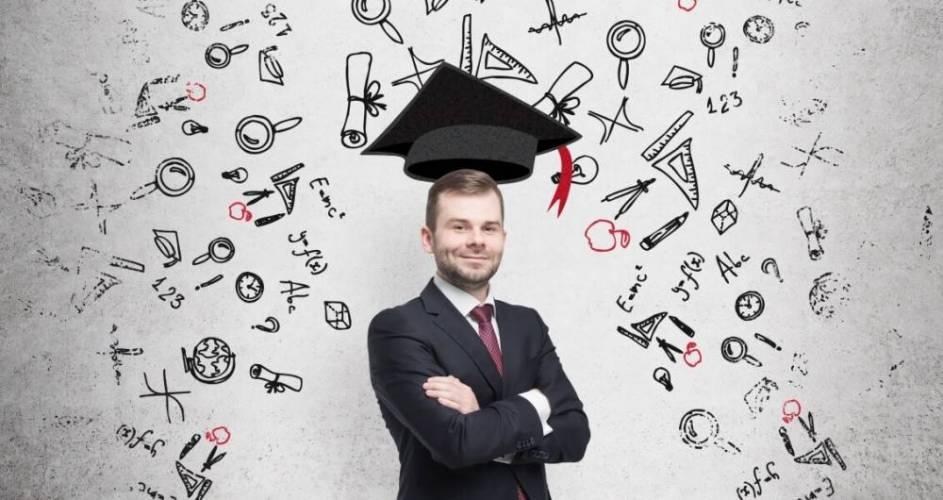 Pós-graduação alavanca carreira e ajuda profissional a ganhar mais