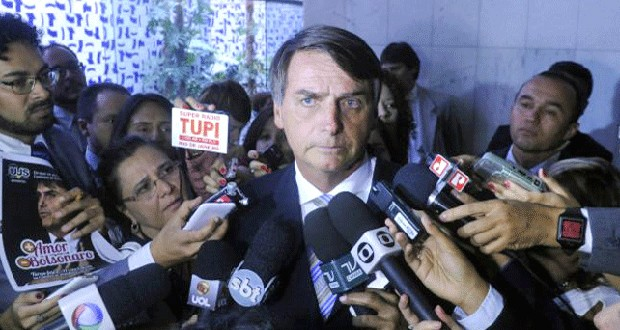 """Bolsonaro pode se tornar inelegível após caso """"Maria do Rosário"""""""