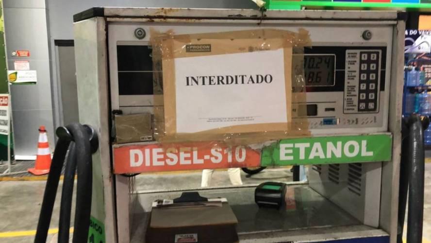 Protesto de caminhoneiros afeta fornecimento e gasolina chega a ser vendida a R$ 8,99 no Recife