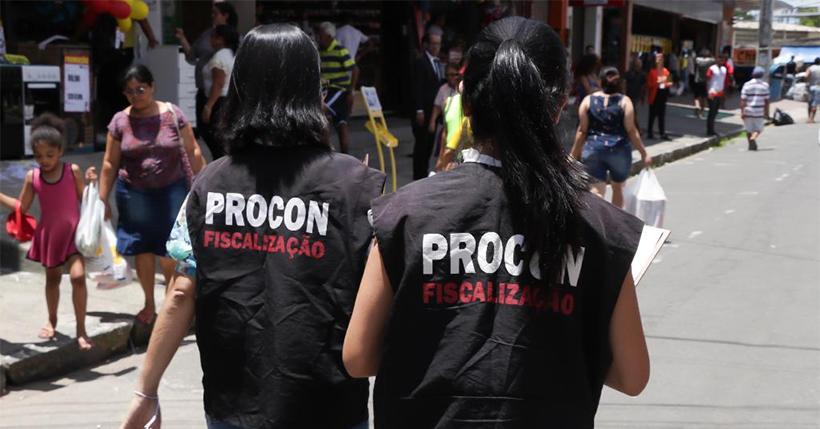 Ação do Procon Paulista tira dúvidas sobre direito do consumidor em três pontos da cidade nesta sexta