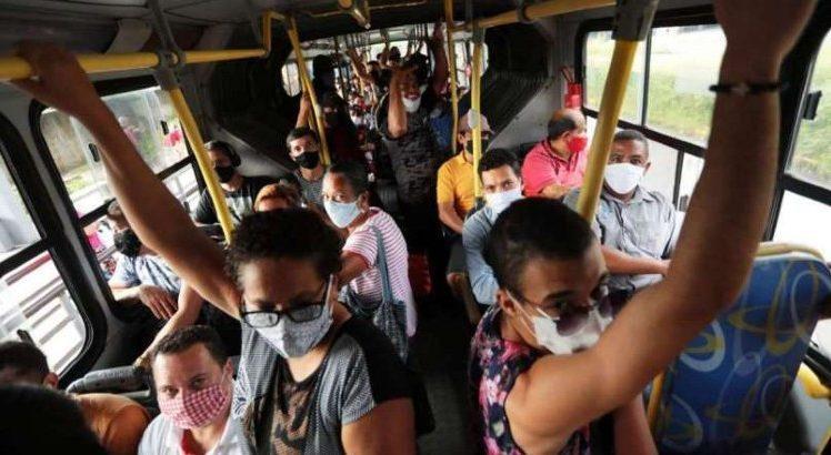 Frente de Luta pede 100% da frota dos ônibus no Grande Recife