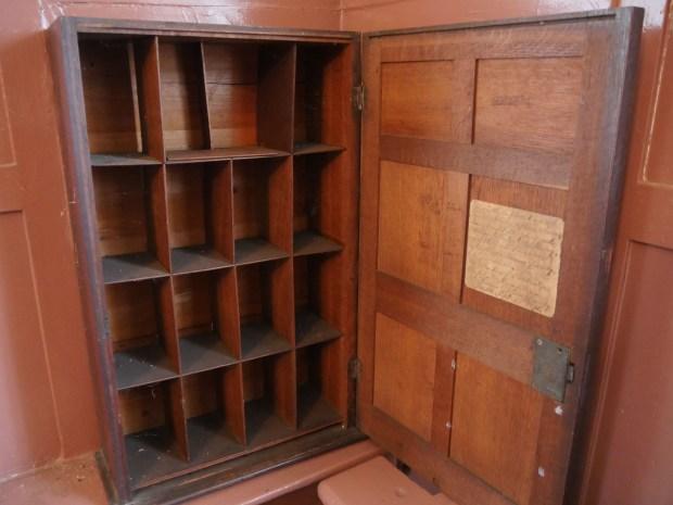 Sermon cabinet
