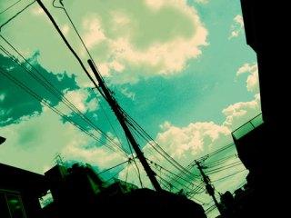 空と町並みの写真素材(2パターン)