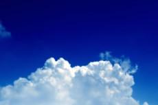 入道雲と濃く青い空