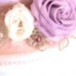 薔薇の飾りの置物の写真素材