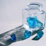 【高解像度】透明な瓶と蛍石の鉱物レジン(4パターン)