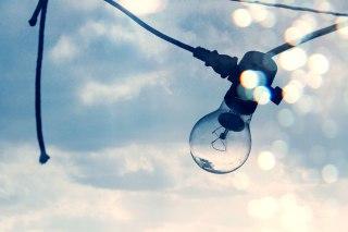 【高解像度】電球と空(3パターン)