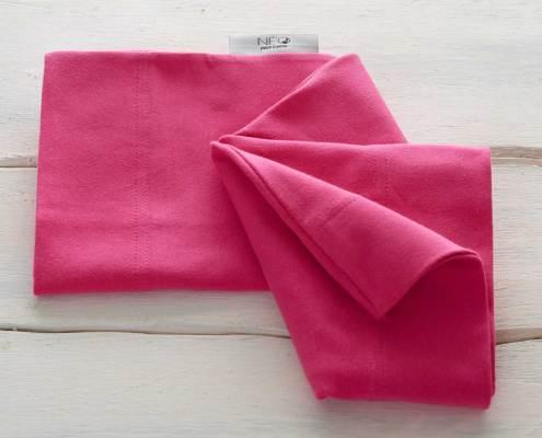 Le Bandeau rose framboise kangourou Néo peau à peau recommandée en puériculture pour les bébés à termes ou prématurés