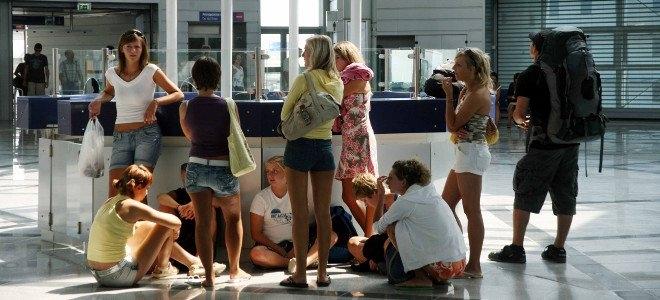 touristes-aerodromio-660-eurokinissi.jpg